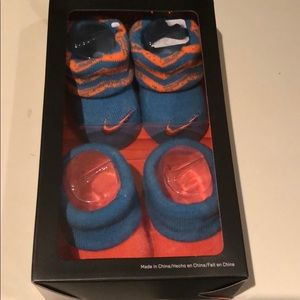 NIKE infant booties, 2 pairs, NWT